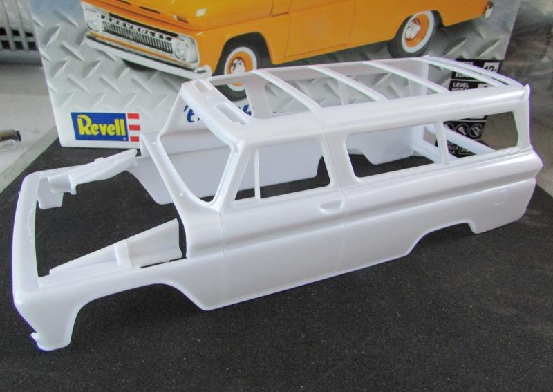 1966 Chevrolet Suburban de Revell  F74a6810