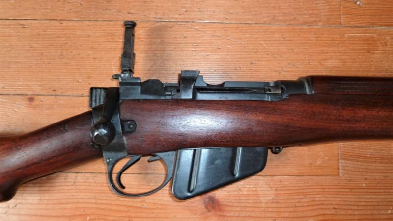 LEE-ENFIELD MK9 / 22 LR P1040921