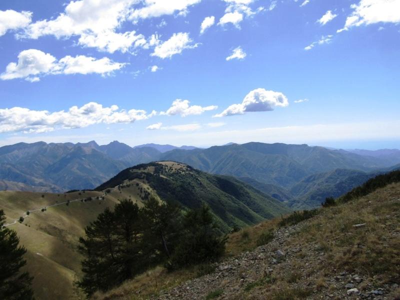 Magnifique et tragique, le massif de l'Authion.  Rajout hommage du 10/05 Img_2812