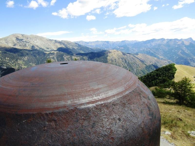 Magnifique et tragique, le massif de l'Authion.  Rajout hommage du 10/05 Img_2817