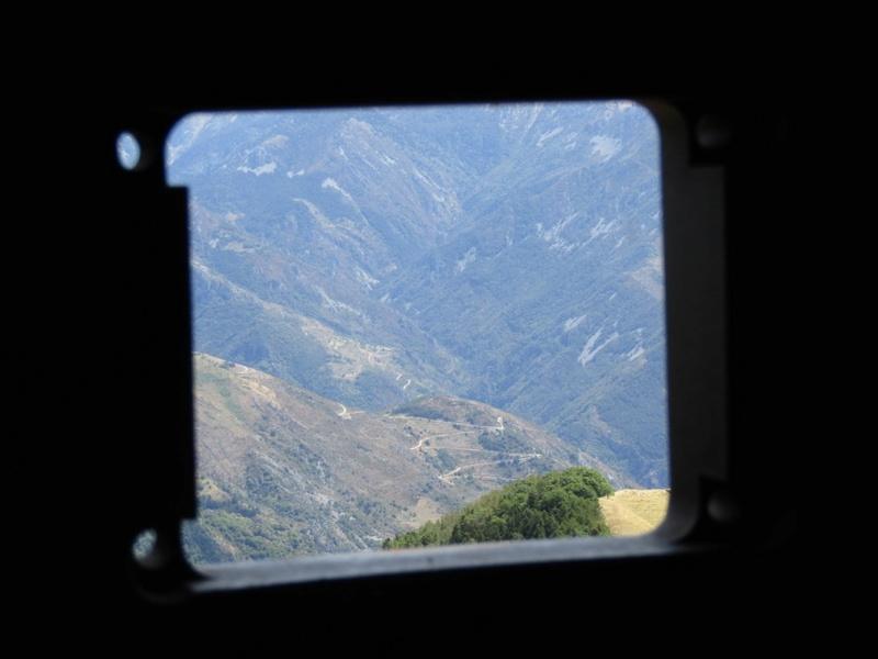 Magnifique et tragique, le massif de l'Authion.  Rajout hommage du 10/05 Img_2818