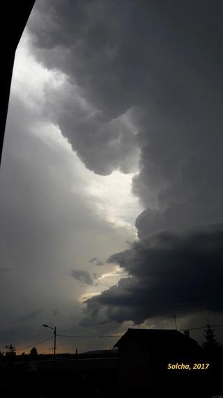 Le ciel va tomber sur notre tête ! - Page 37 Lum_0111