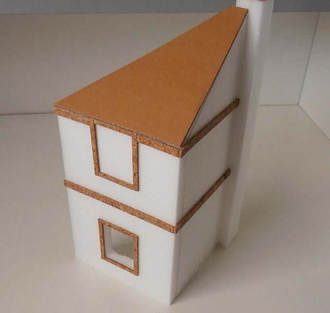 Maison au 1/35eme ( scratch ) P7271911