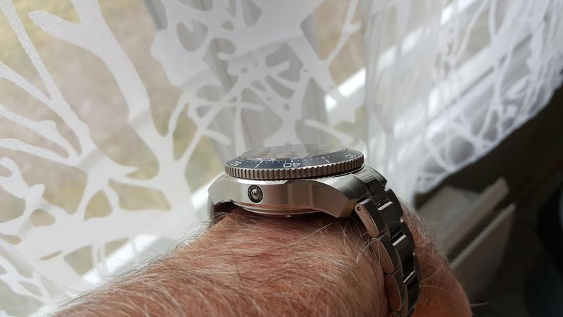 ward - un chronographe de plongée Christopher Ward, Trident C60 pro 600. 20170726