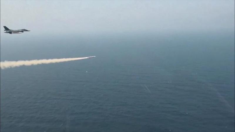 Missiles antinavires Asm3_210