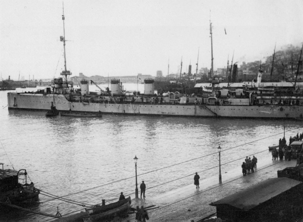 Croiseurs italiens - Page 2 Cl_qua10