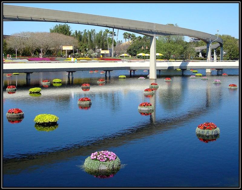 Thème du mois de juillet 2017 :  Sur l'eau  908_su11