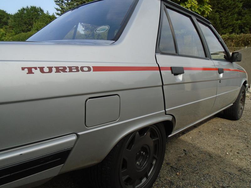 R9 Turbo 1986 de Guigui69.69 - Page 38 Dsc05012