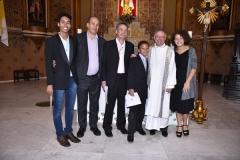 Le Pape souhaite du bonheur à un couple gay ayant fait baptiser des enfants adoptés ! 23968710