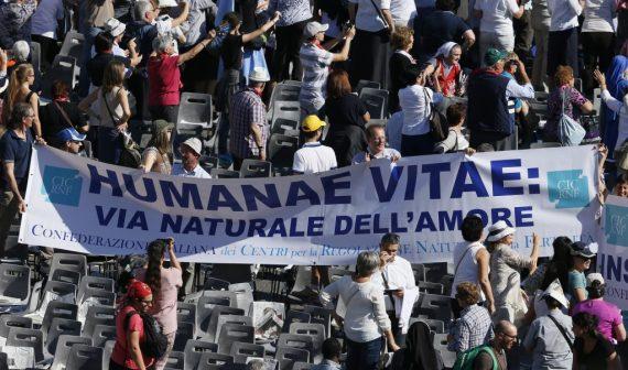 """Il y a bien un plan du Vatican en vue de « réinterpréter » les enseignements d'""""Humanae vitae"""" - Page 2 Humana10"""