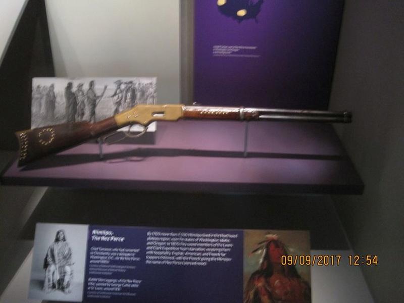 le  1er Scharp et Colt aux US..etc... Img_8610