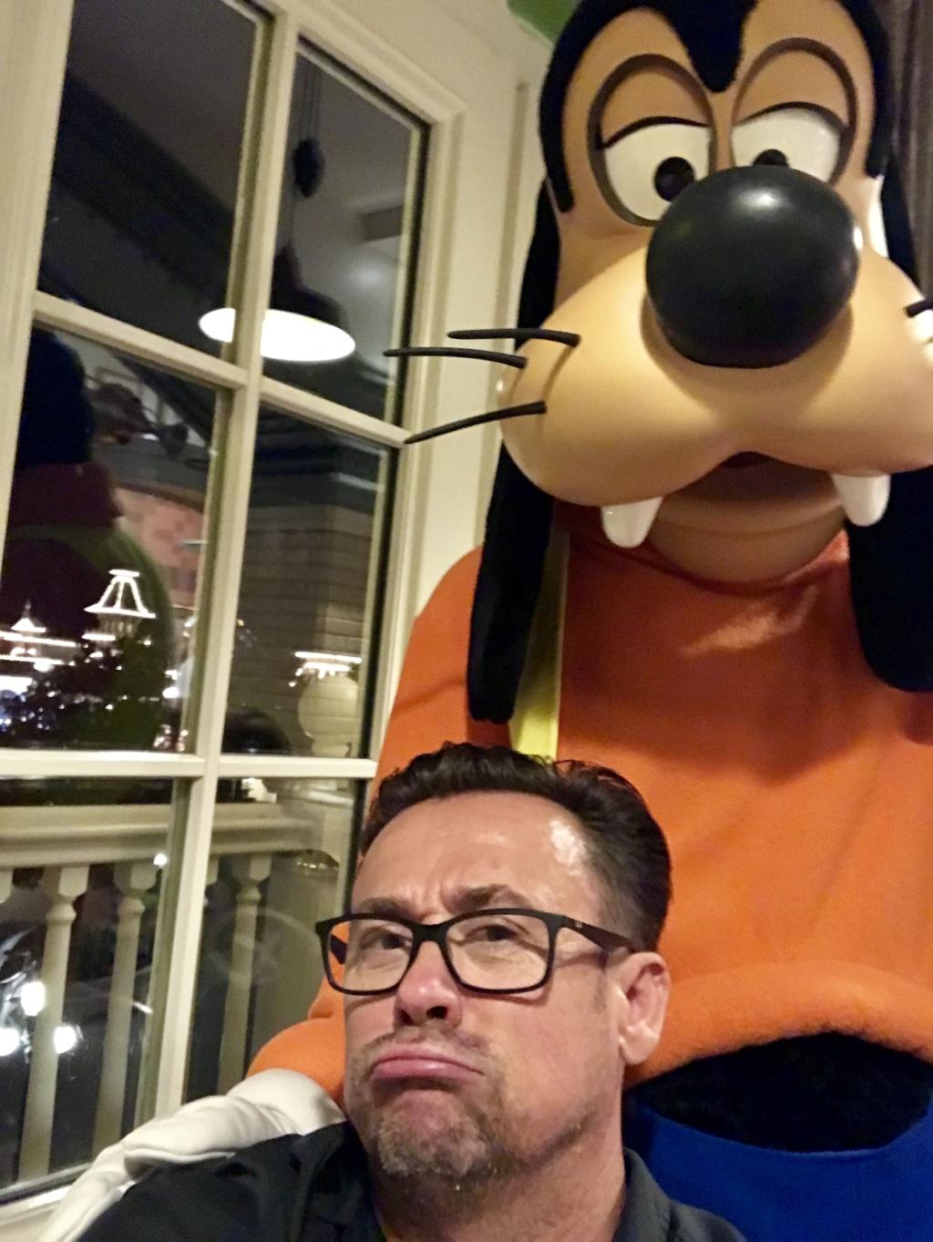 Vos photos avec les Personnages Disney - Page 9 64080610