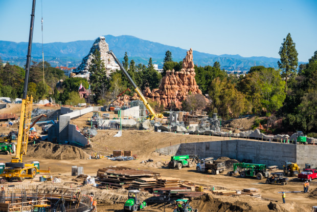 Les news Disney Star Wars: Galaxy's Edge aux Etats Unis (US) - Page 3 Constr13