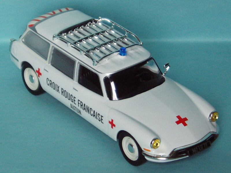 "2014 - Editions Atlas > ""Ambulances Collection"" >> 2017 1961_i10"