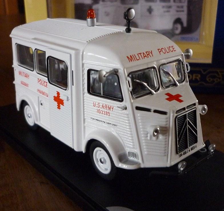 """Citroën miniatures > """"Ambulances, transports de blessés et assistance d'urgence aux victimes"""" Eligor15"""