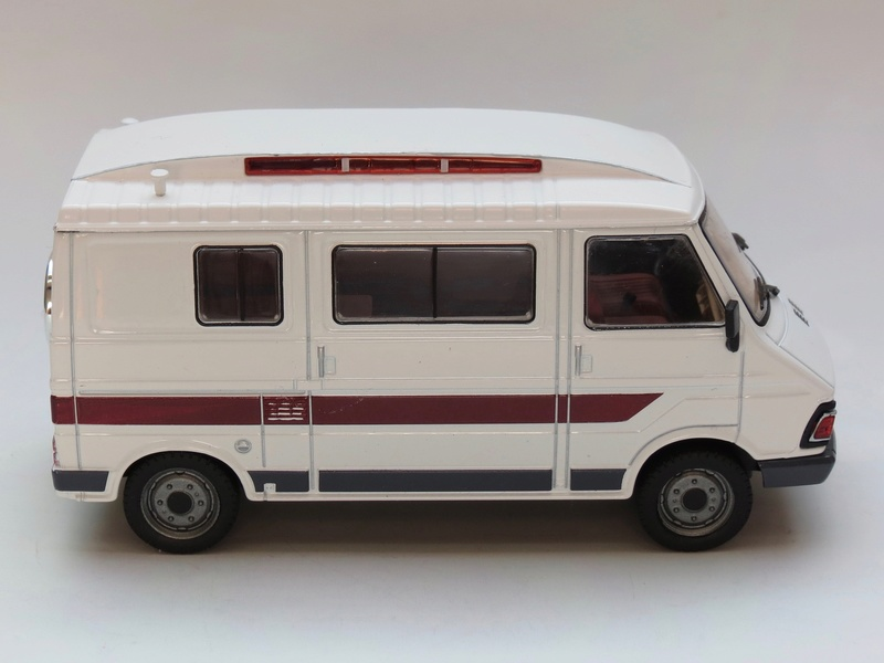 """2017 - Hachette Collections > """"Passion CAMPING-CARS"""" Img_2749"""