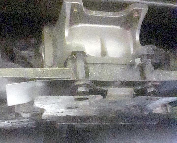 Fixation lame arrière C3 1977 15974311