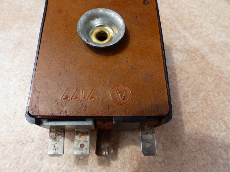 relais clignotant P1020315