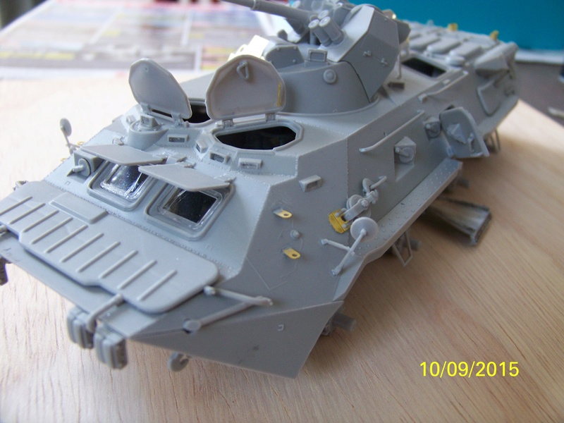 BTr 80 apc de Trumpeter au 1/35 - Page 2 100_3717