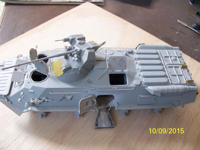 BTr 80 apc de Trumpeter au 1/35 - Page 2 100_3721