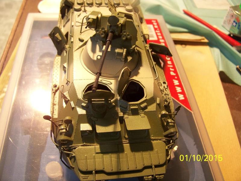 BTr 80 apc de Trumpeter au 1/35 - Page 2 100_3724