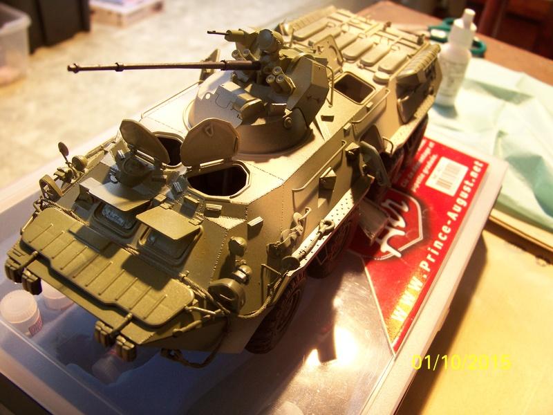 BTr 80 apc de Trumpeter au 1/35 - Page 2 100_3728