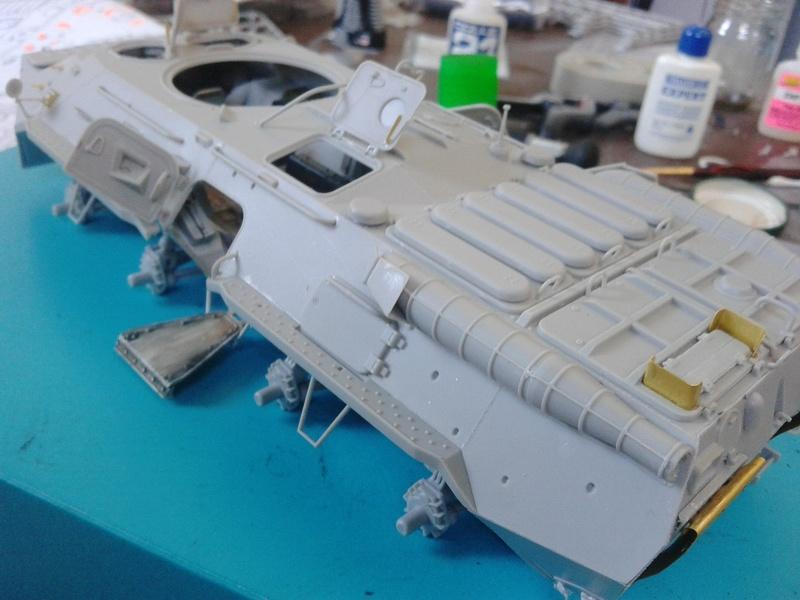 BTr 80 apc de Trumpeter au 1/35 - Page 2 Img_2122