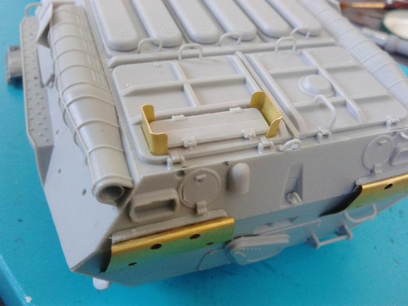 BTr 80 apc de Trumpeter au 1/35 - Page 2 Img_2132
