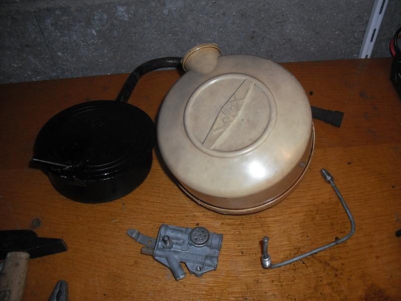 Les pétrolettes d'époque de Juju, restaurations, méca, sauvetage Dscf2717