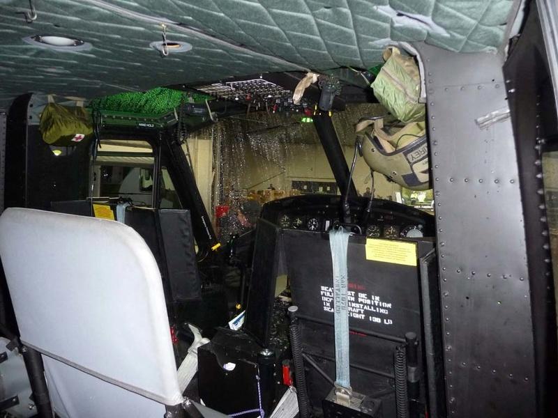"""Bell Huey UH-1H """"NASA"""" - Revell - 1/72 - Page 2 U_1710"""