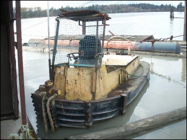 Un boomboat tout rouillé - Page 2 15ft_b10