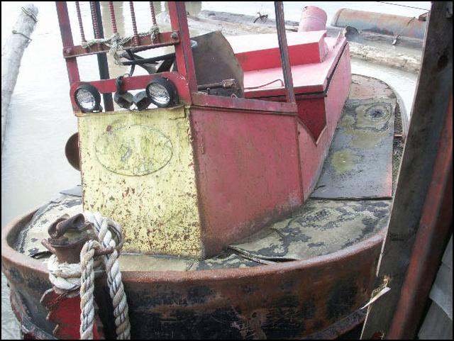 Un boomboat tout rouillé - Page 2 15ft_b11