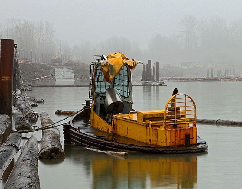 Un boomboat tout rouillé Boom0012