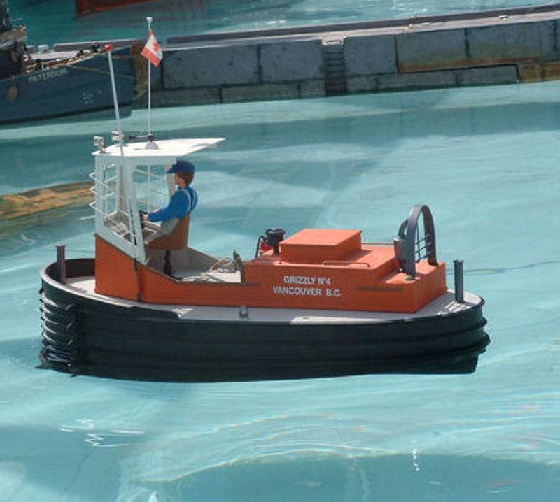 Un boomboat tout rouillé Boombo11