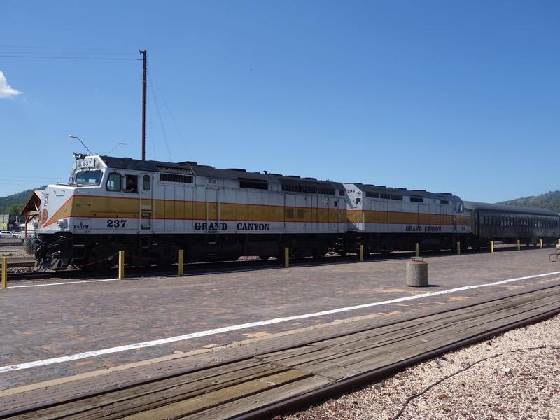 L'ouest américain et disneyland Anaheim - juillet 2017 (Trip fini) - Page 3 Train310