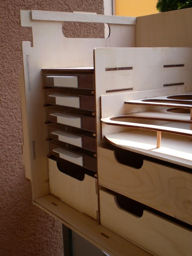 Artesania Latina Werkzeugbox Sany0922