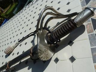 Une épée étonnante P1170910