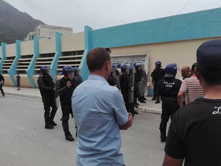 Plusieurs personnes tabassées après une conférence du café littéraire d'Aokas 22 juillet 2017 1187