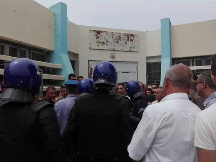 Plusieurs personnes tabassées après une conférence du café littéraire d'Aokas 22 juillet 2017 1188