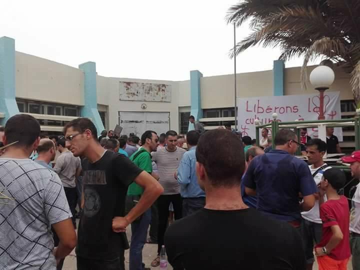 Plusieurs personnes tabassées après une conférence du café littéraire d'Aokas 22 juillet 2017 1190