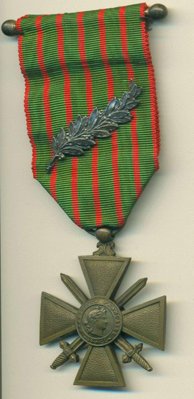 Question Croix de Guerre : citation à l'ordre de l'armée palme argent Scan_410