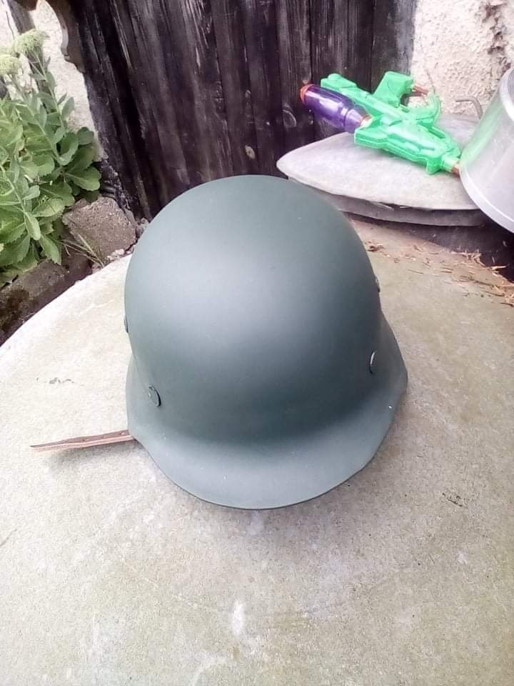Coque de casque allemande. Receiv35