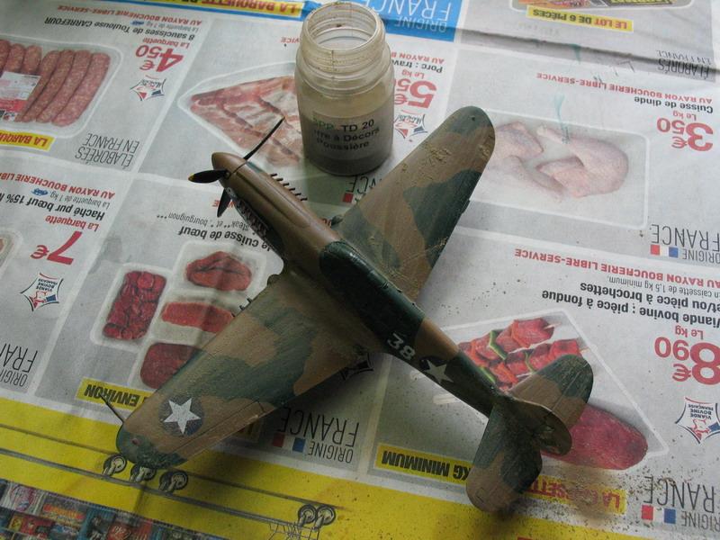 16h pour un ch'ti P40 E de l'USAAF (HobbyBoss au 72) - Page 3 P40_e_13