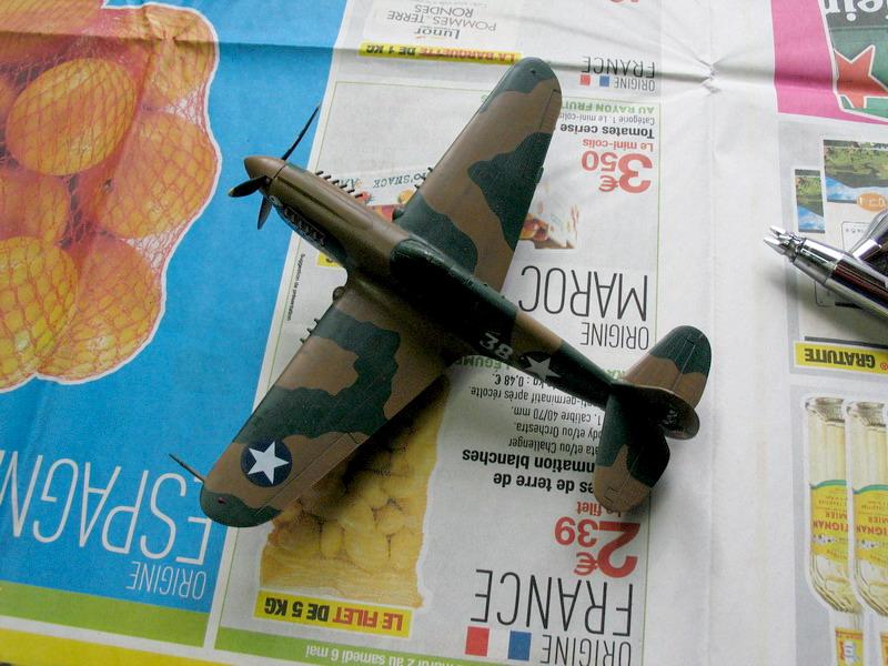 16h pour un ch'ti P40 E de l'USAAF (HobbyBoss au 72) - Page 3 P40_e_14