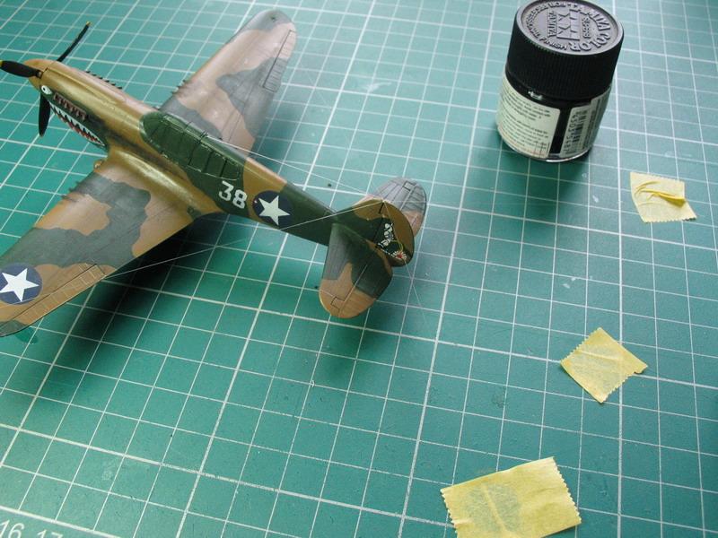 16h pour un ch'ti P40 E de l'USAAF (HobbyBoss au 72) - Page 3 P40_e_17