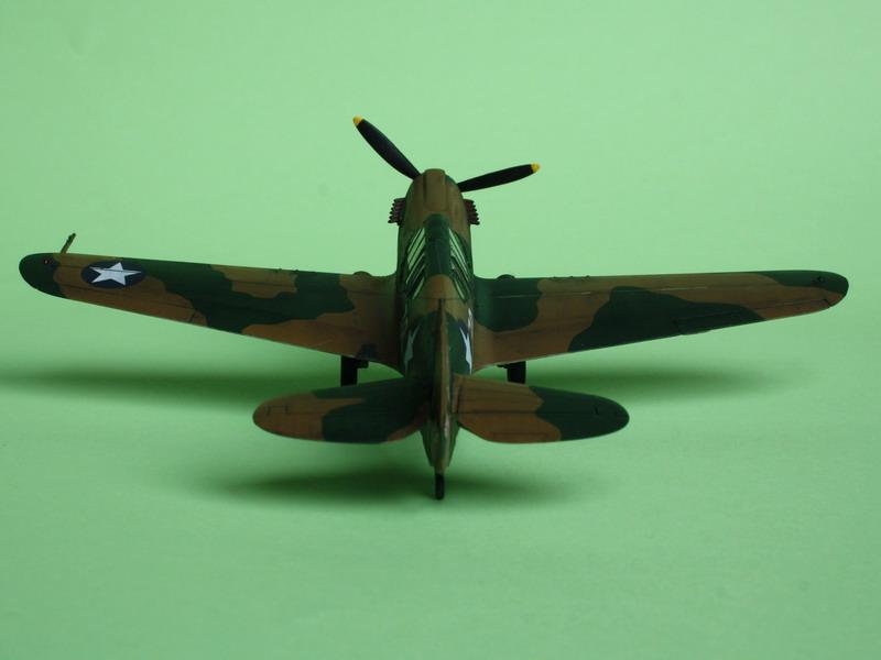 16h pour un ch'ti P40 E de l'USAAF (HobbyBoss au 72) - Page 3 P40_e_21