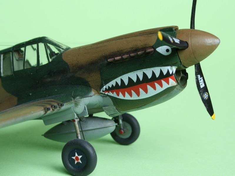 16h pour un ch'ti P40 E de l'USAAF (HobbyBoss au 72) - Page 3 P40_e_22