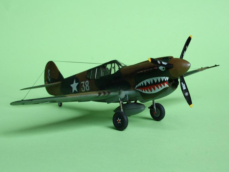 16h pour un ch'ti P40 E de l'USAAF (HobbyBoss au 72) - Page 3 P40_e_23