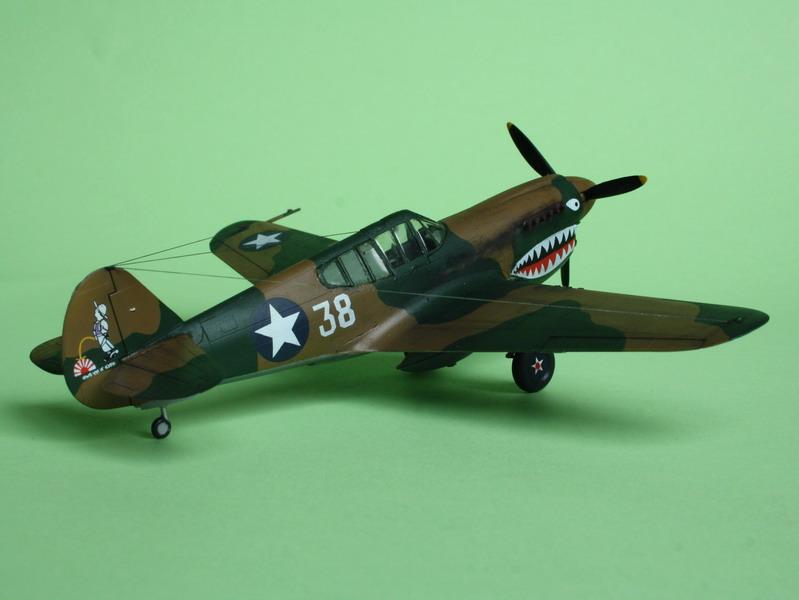 16h pour un ch'ti P40 E de l'USAAF (HobbyBoss au 72) - Page 3 P40_e_26