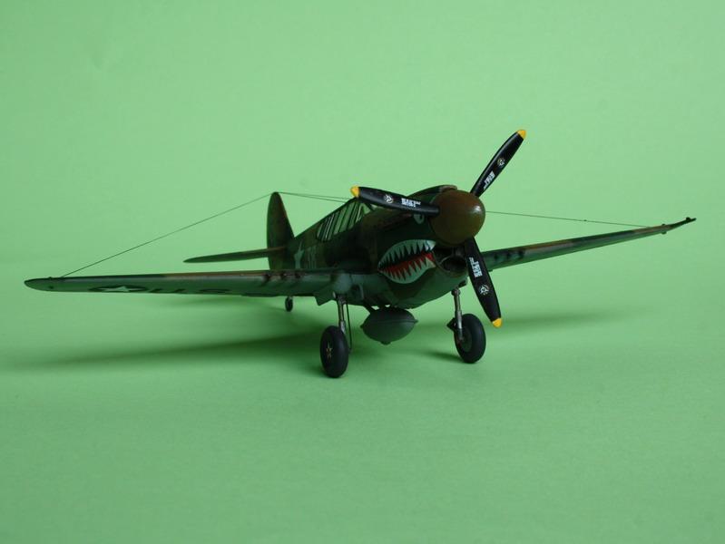 16h pour un ch'ti P40 E de l'USAAF (HobbyBoss au 72) - Page 3 P40_e_27